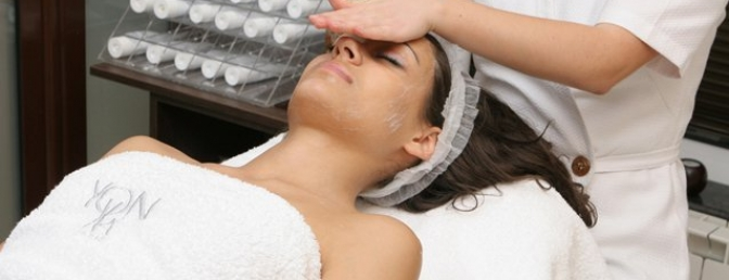 Milena Is Performing A Yon Ka Facial In Splendid Day Spa